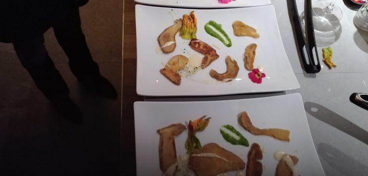 prima porcini in cotoletta su crema di gorgonzola e pesto
